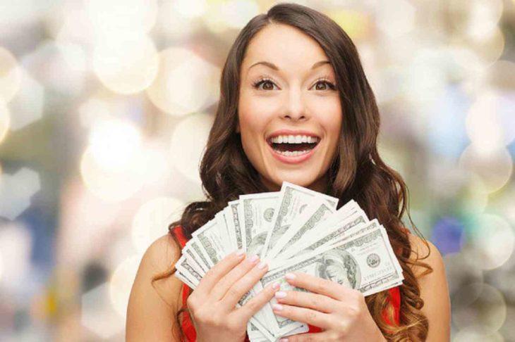 девушка и деньги