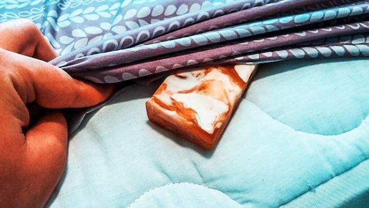 Мыло под подушку